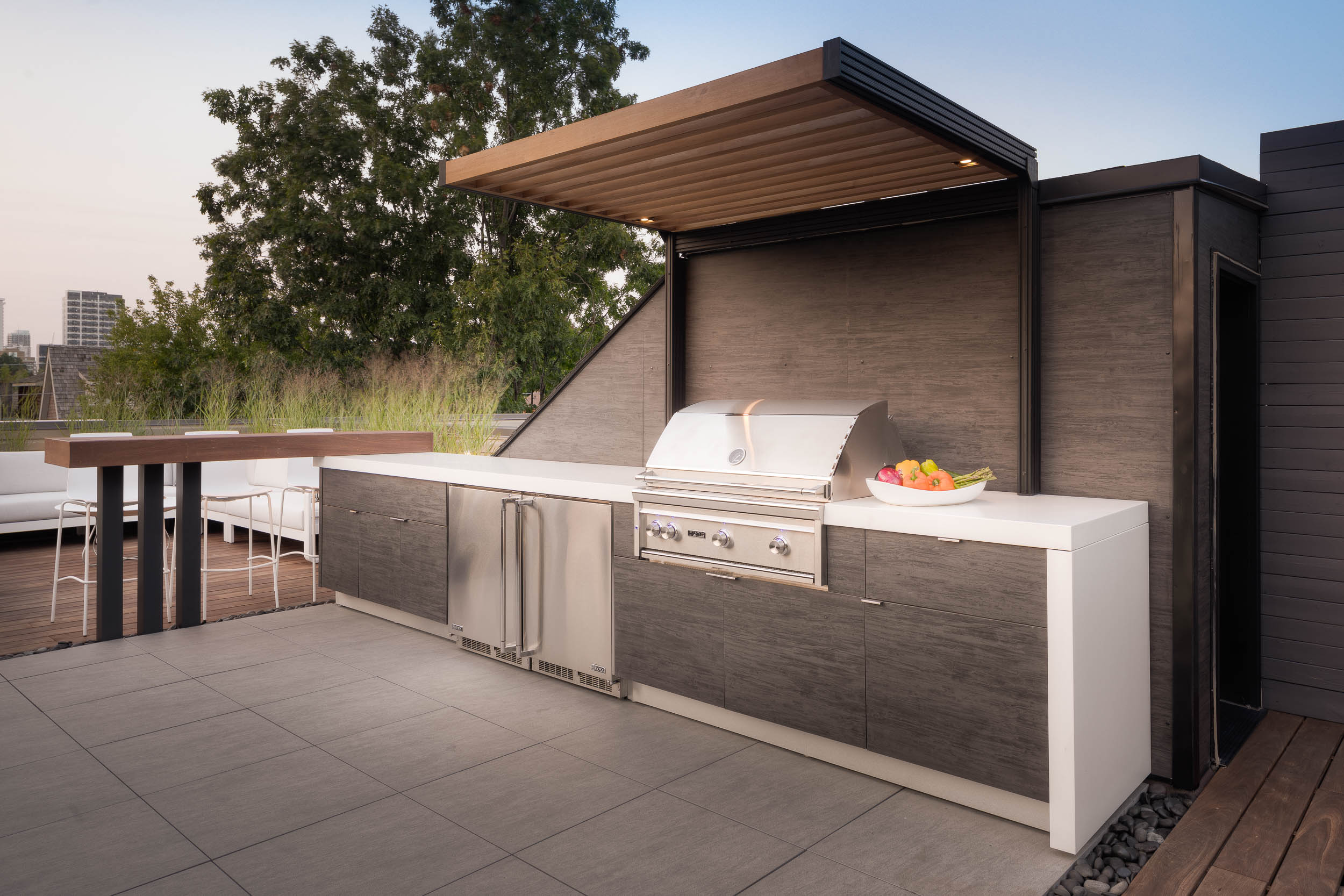Garden Living - Rooftop Kitchen Lynx 3.jpg