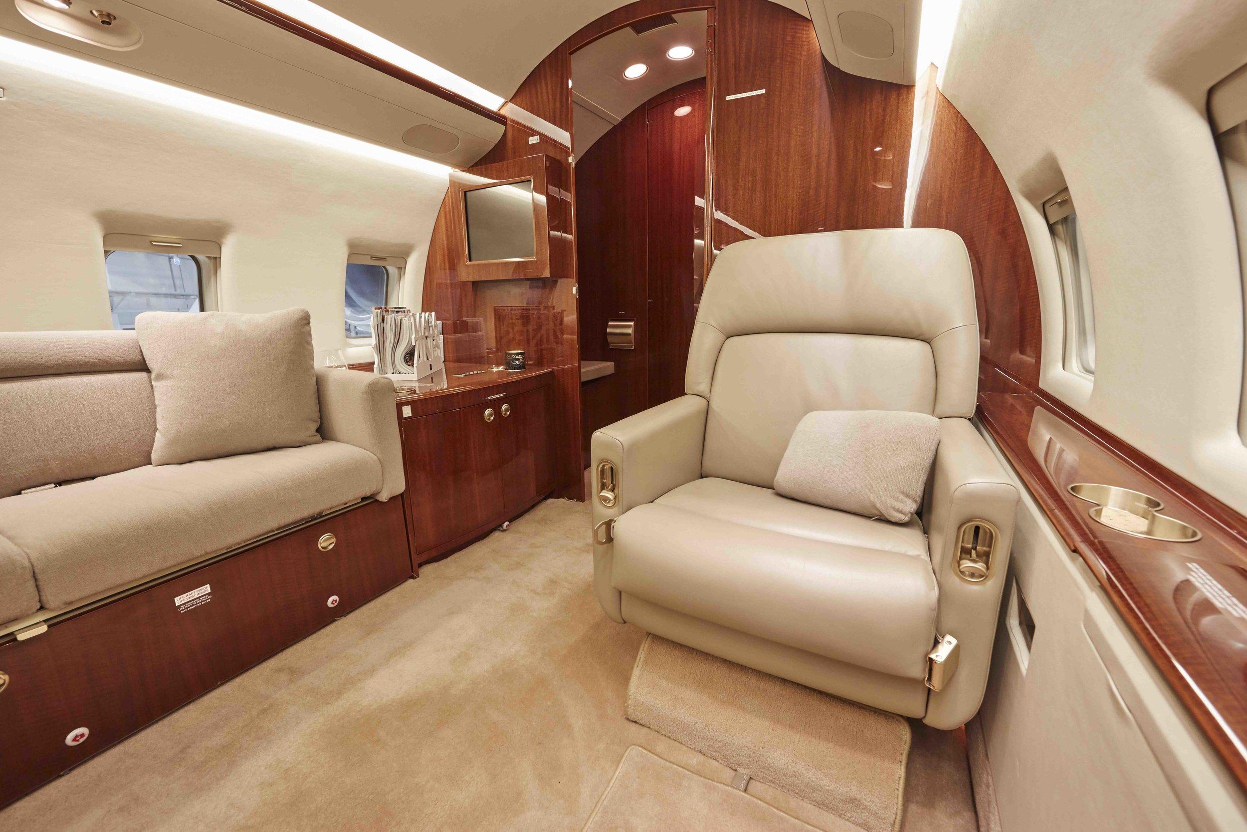 2005 Challenger 604 For Sale Interior 7