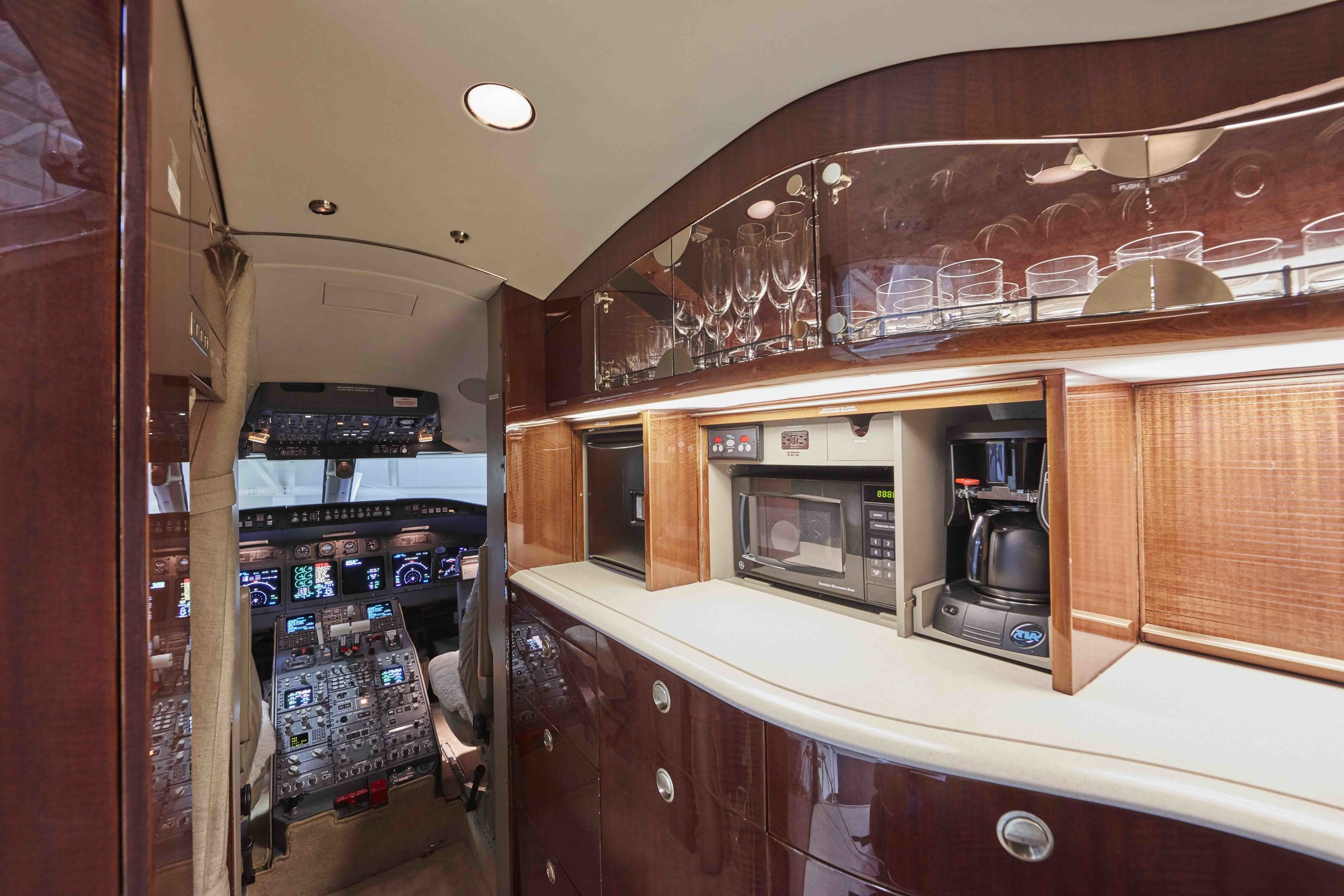 2005 Challenger 604 For Sale Interior 16