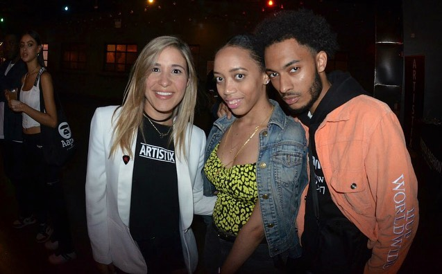 Love these photos from The Andy Hilfiger Sessions this weekend at @dekalbmarkethall! Thank you to all the performers for literarily rocking the house, @juanialys @herinmind @iamdudleyalexander you guys are the best! Shout out to @djblazenyc for keeping the good vibes flowing all night and of course the biggest thank you to @andyhilfiger & @sway10538 for putting together such an amazing event that I'm proud to be a part of it! Look out for our next Live From Brooklyn event coming at ya soon!! 🤩🤘🎊🎸🎤 📸: @alexdgarfield