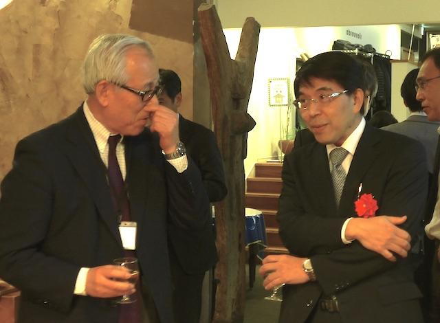 懇親会でのご講演者加藤先生(向かって右)
