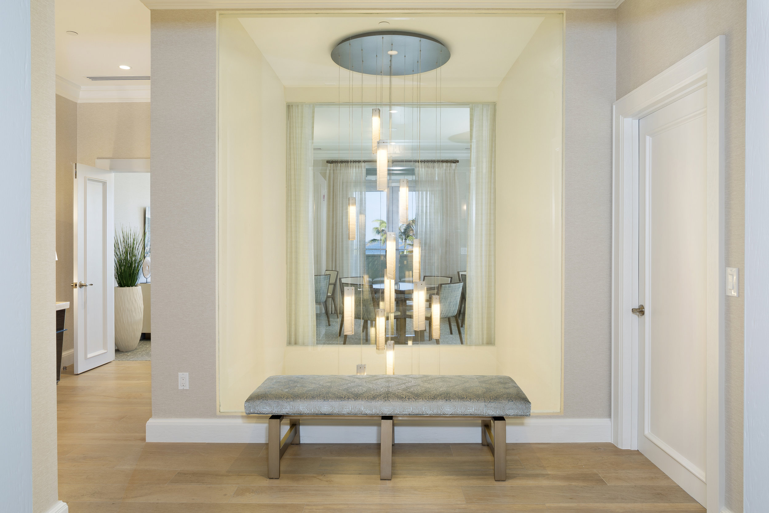 SEAGATE RESIDENCE_FOYER_SEATING.jpg