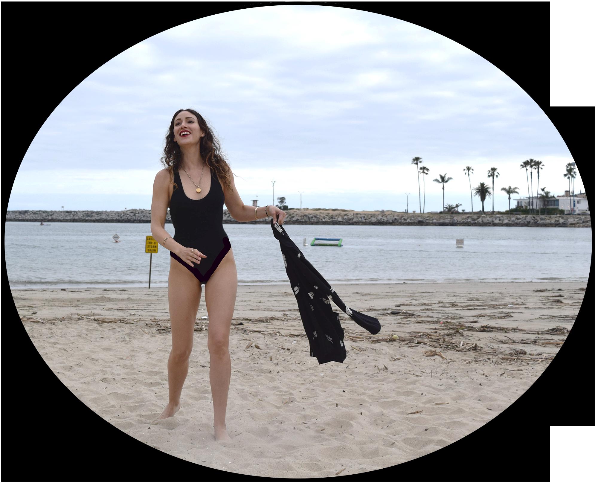 one-piece.body-beach