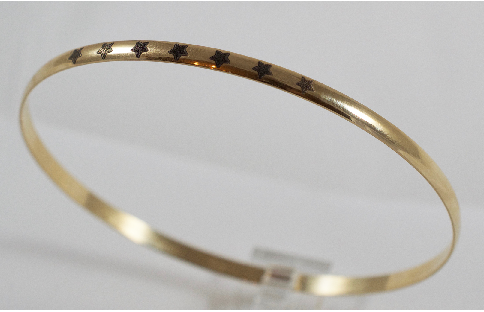 giveaway-gold.bangle.bracelet-7.lavieestbelle