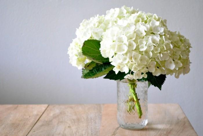 white-hydrangea-table-e1405710031143.jpg