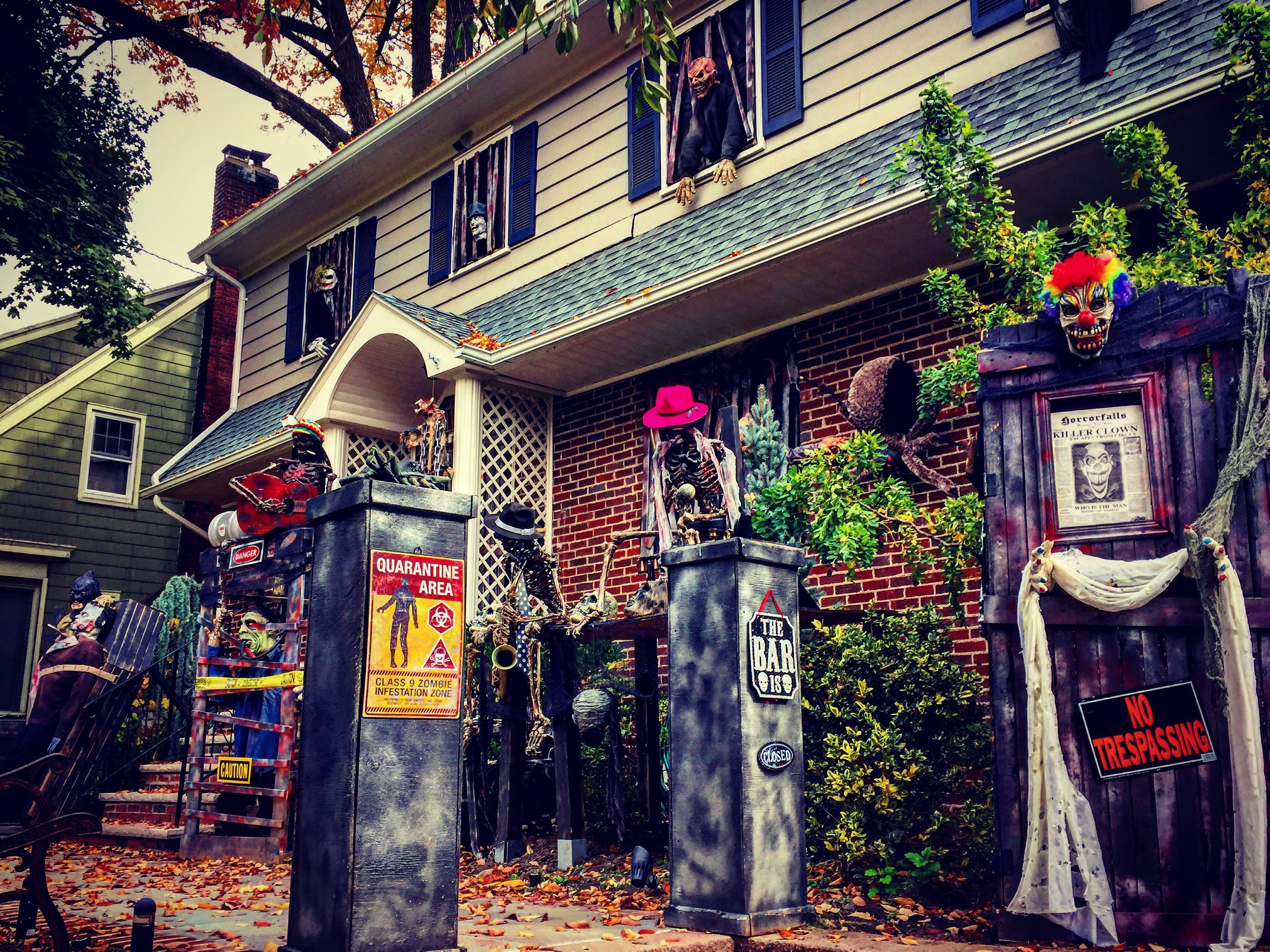 Sound effects and high quality set design at this Halloween house