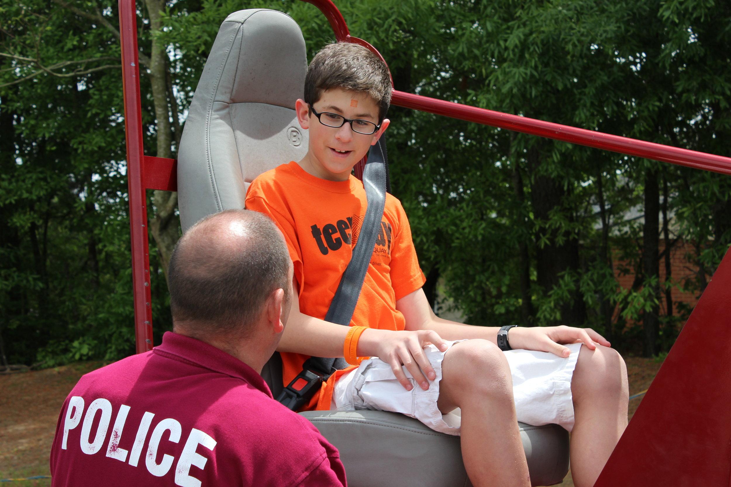 Seat Belt Convincer