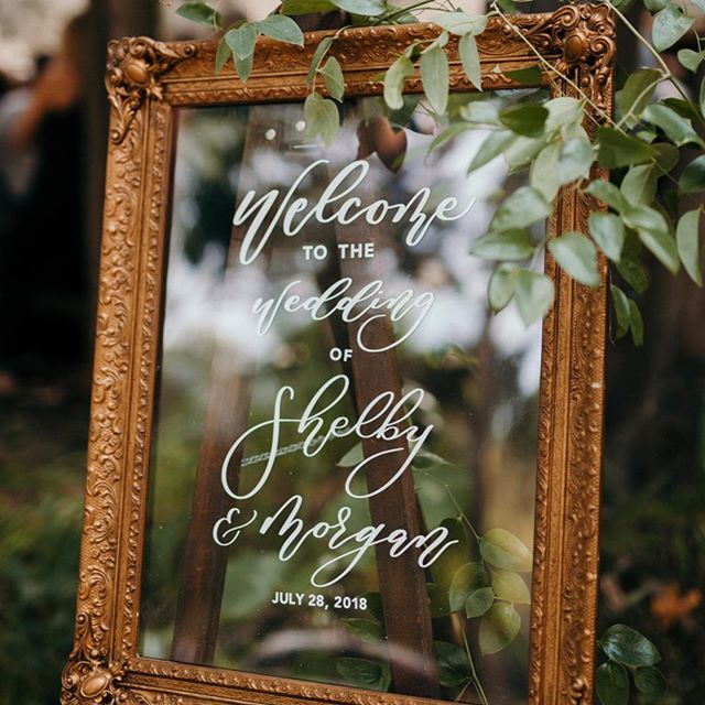 Welcome...to the weekend! What's on the agenda? We're playing in a volleyball tournament @kellysbleachers2, doing laundry and organizing for our spring weddings!⁣⠀ .⁣⠀ .⁣⠀ planning: @mksocialco photo: @cassierosch calligraphy: @delaneymonroedesign⁣⠀ .⁣⠀ .⁣⠀ #friyay #tgif #itsthefreakinweekend #girlboss #bosslady #lifeofaweddingplanner #calligraphy #calligrapher #handwritten #handlettering #goldaccents #welcomesign #bridestyle #wisconsinbride #wisconsinwedding #campwedding #campwandawegawedding #campwandawega #weddingstyle #weddingdetails #weddingphotography #weddingplanner #wisconsinweddingplanner