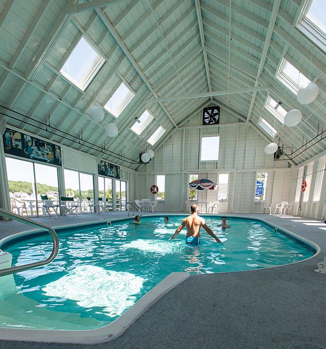 rocktide-inn-pool.jpg