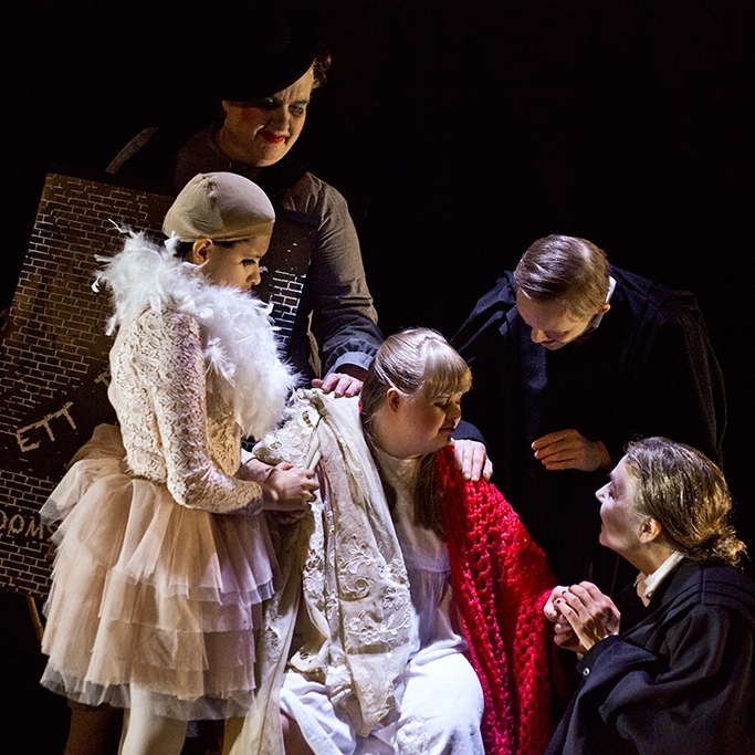 A Dreamplay (2016)  Tailor Theatre play, Moomsteatern Malmö.