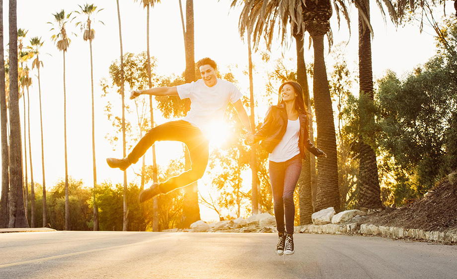 couple-jump-sunset-los-angeles-lifestyle.jpg