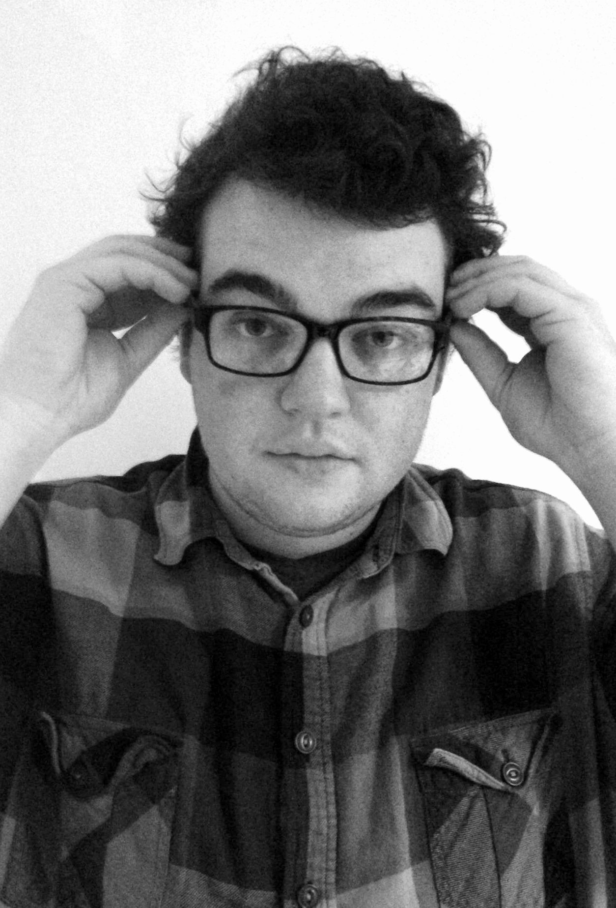 Noah Lashly grew up in Kim Maxwell's writing, performance and storytelling class. Now working on his standup material & several plays in his senior year at Hendrix College, he is beyond excited to have his piece featured on The Townies Podcast.