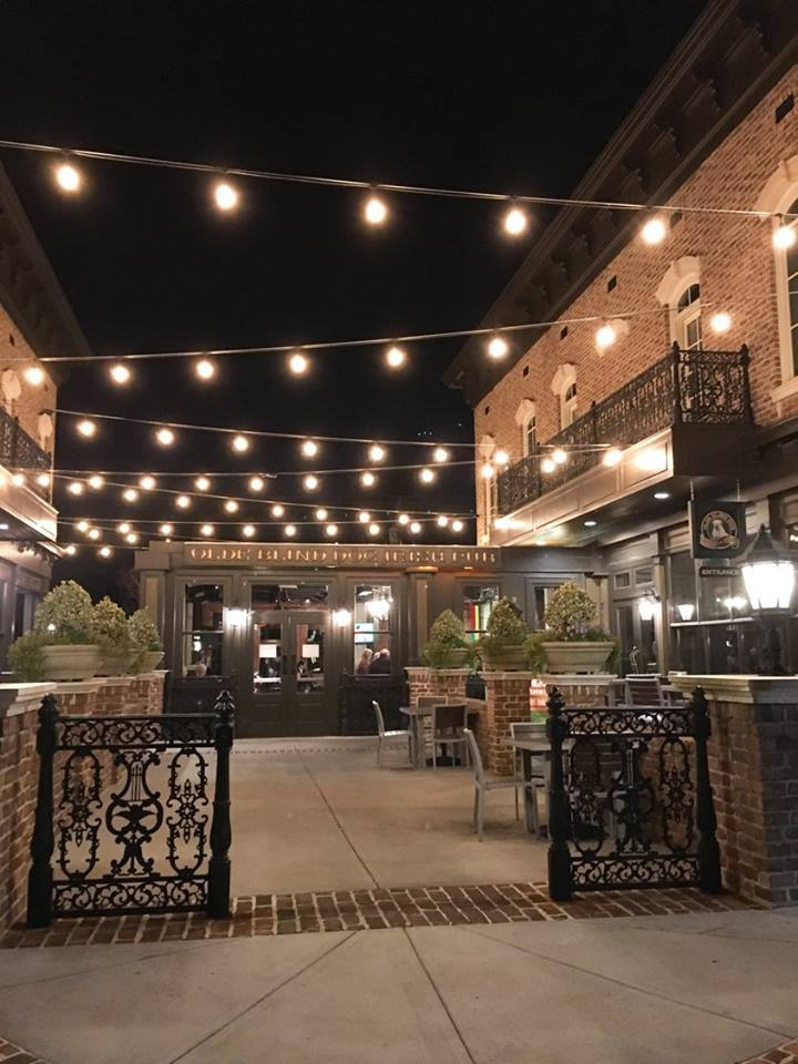 Crabapple Market Courtyard