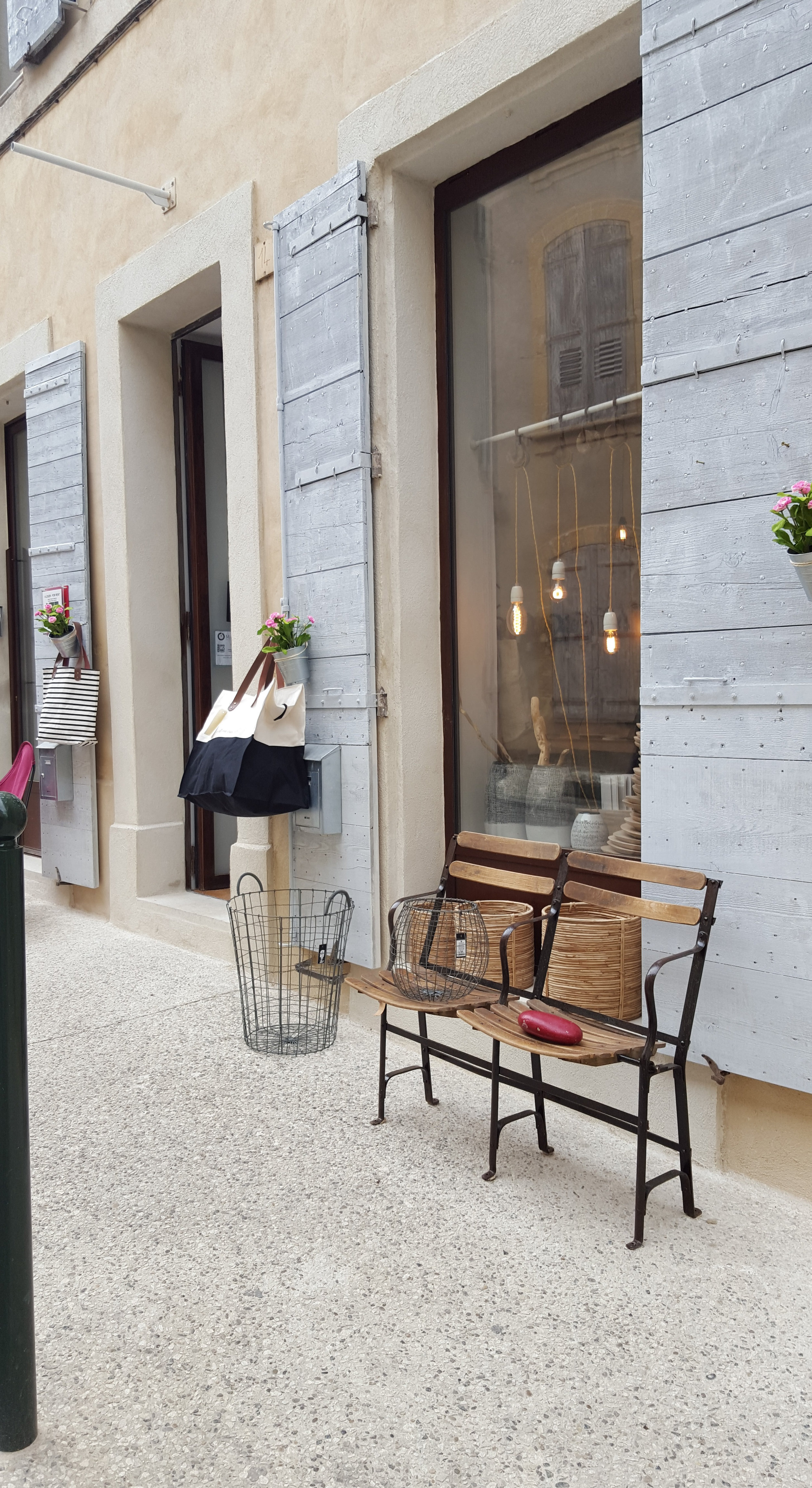 inviting storefront in provence.jpg