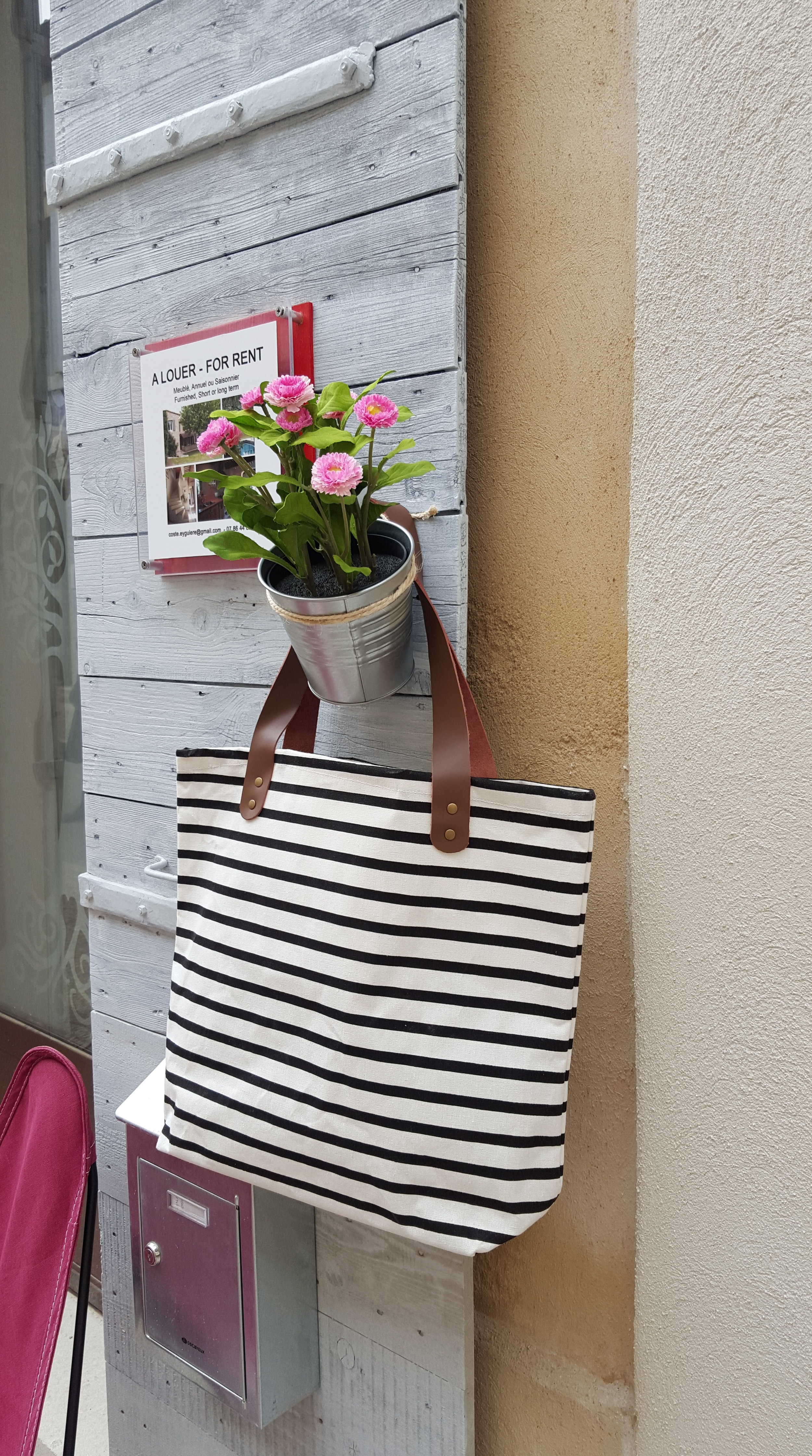 inviting storefront in provence _bag.jpg