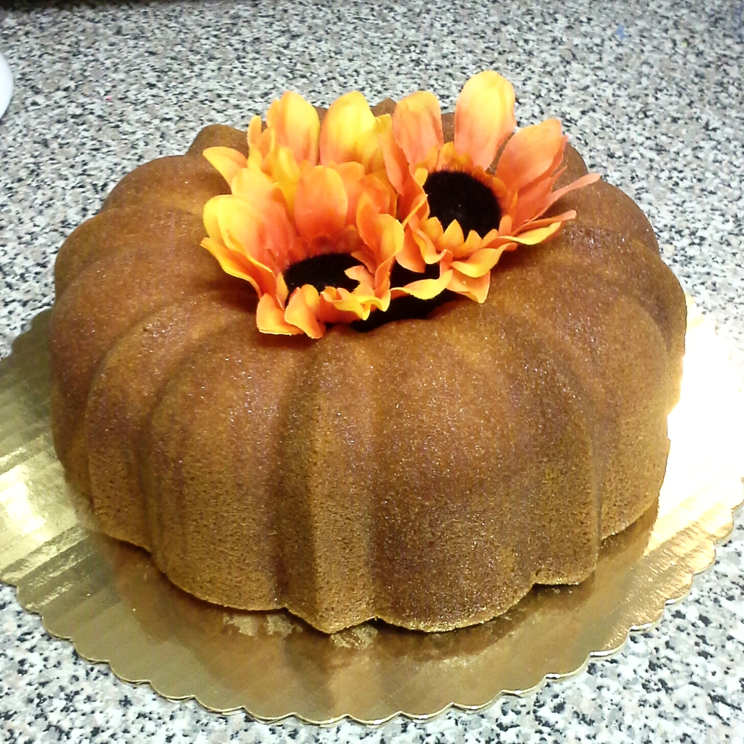 Bundt cake with flowers in the middle