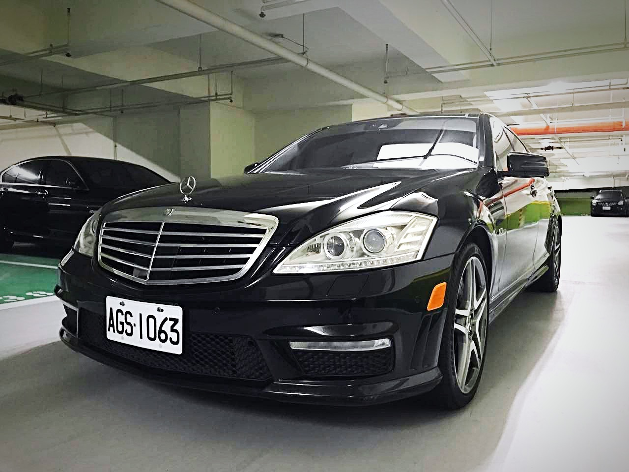W221 S-Class