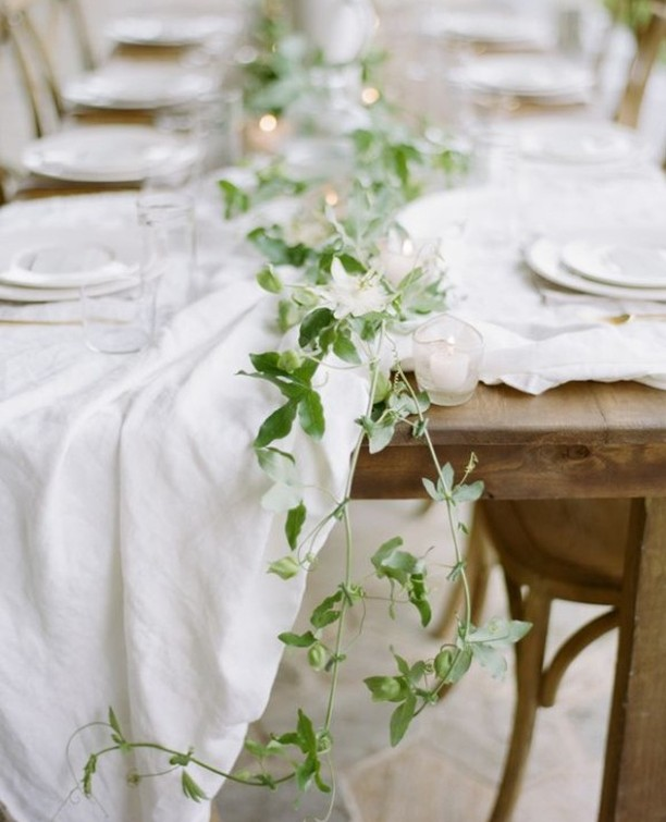 There is so much beauty in simplicity. Tablescape designed by Ginny Au, Photo by J. Layne Photography from the Belle Lumiere Workshop.