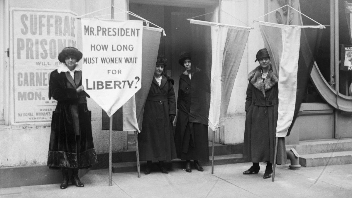 womens-suffrage-514698884.jpg
