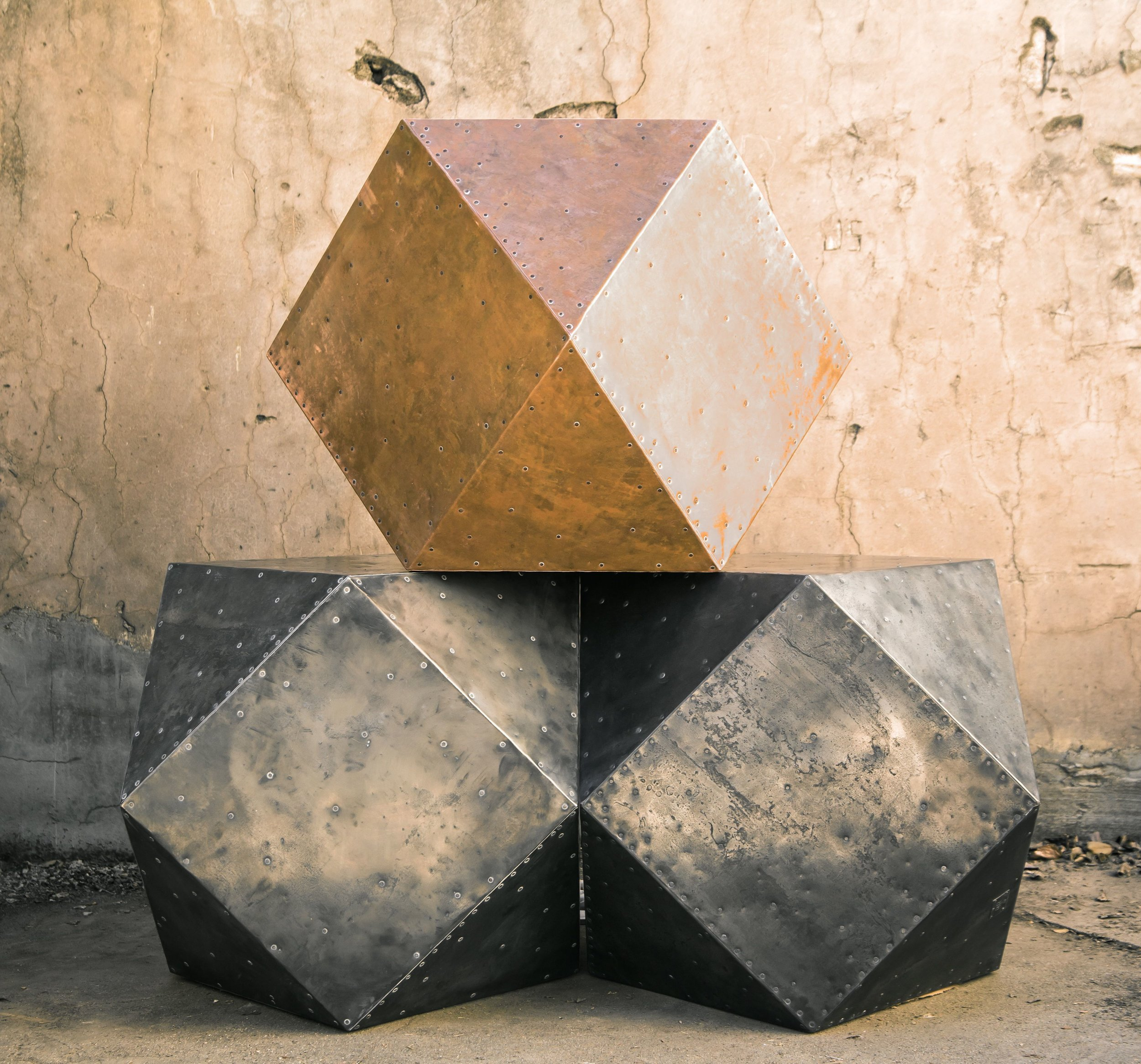 Cubodron Table -
