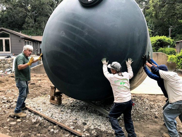rainwater-tanks-installation_carmel-valley-2.jpg