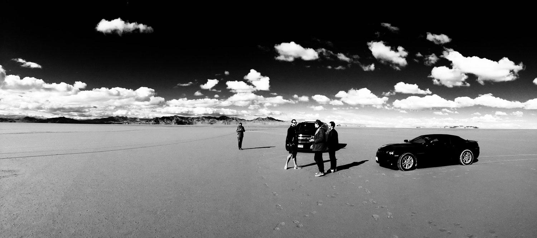Fin de tournage sur le lac salé de Bonneville, USA.   ( L'info en plus : nous avons fini embourbés à 30 mètres de la route.)