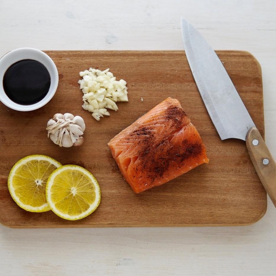 Hot smoked salmon -