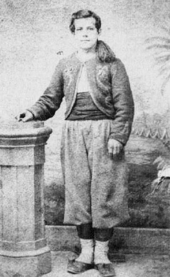 Among the original Duryee's Zouaves who had extended terms of service, Albert Ross transferred to the 146th regiment. He is shown wearing a 5th N.Y. jacket and 146th trousers, possibly a tribute to his former unit. (Brian Pohanka Collection)