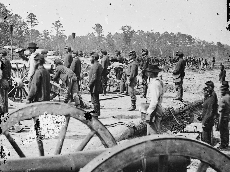 June, 1862.  A Federal battery near Fair Oaks, Va. A great photo showing a mix of dark and light blue pants on artillerymen, but still marginally dark blues. (LOC#: LC-B811-2510)