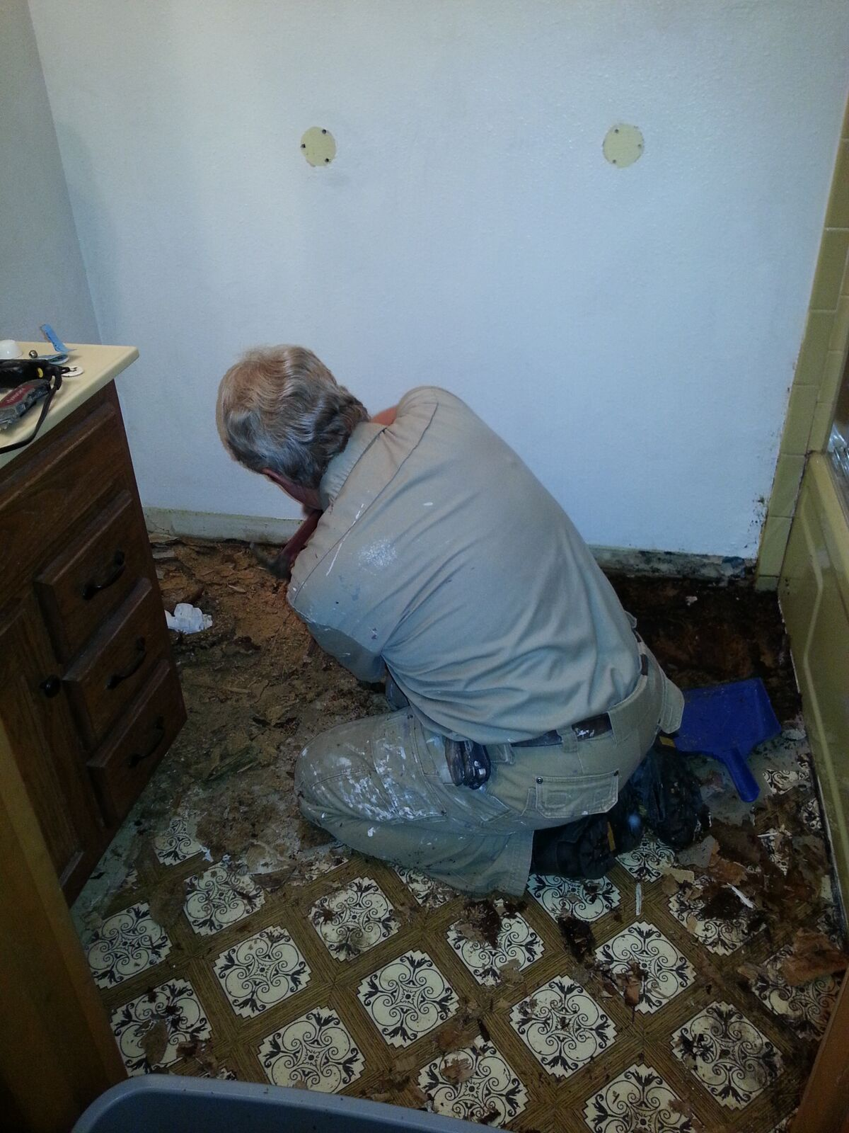 bathroom floor1.jpg