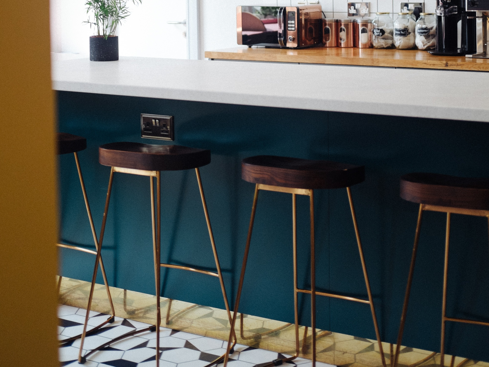 bar-design-revive-interiors