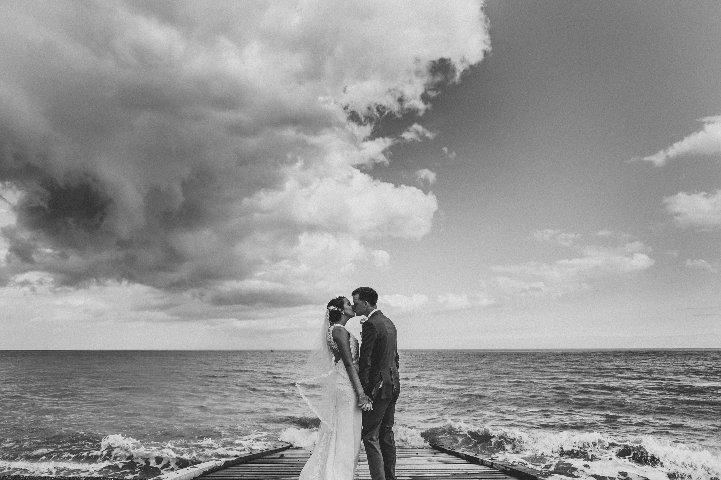 The couple and the sea