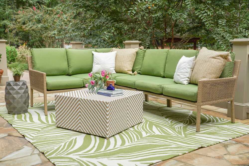 Riviera Sectional Leisure Made