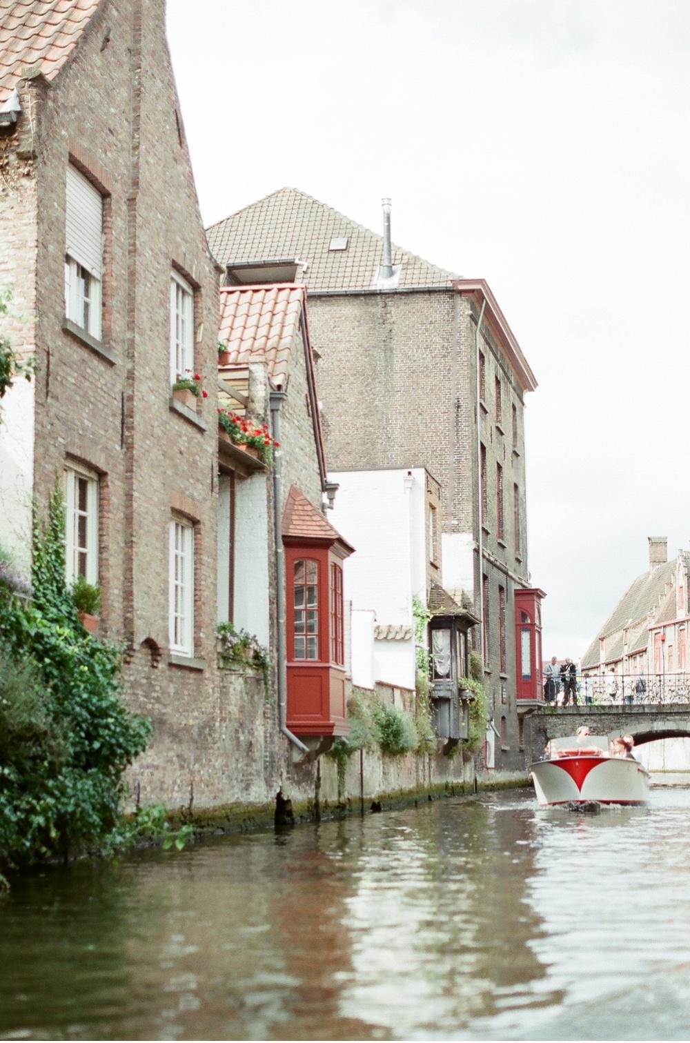 Brugge_Belgium_WeddingPhotographer©MadalinaSheldon_0018.jpg