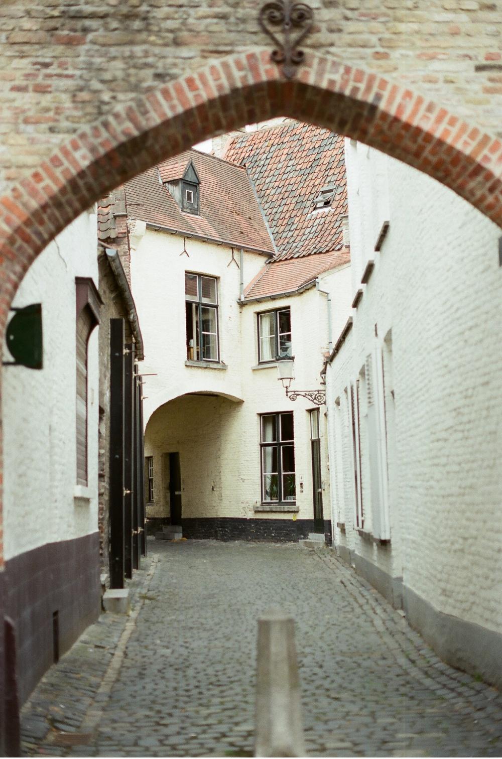 Brugge_Belgium_WeddingPhotographer©MadalinaSheldon_0020.jpg
