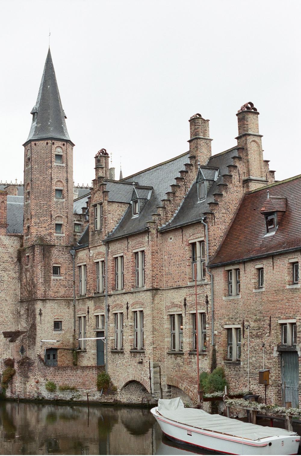 Brugge_Belgium_WeddingPhotographer©MadalinaSheldon_0033.jpg