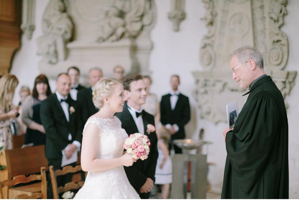 Classy_Norwegian_Wedding_WeddingPhotographer©MadalinaSheldon_0002.jpg