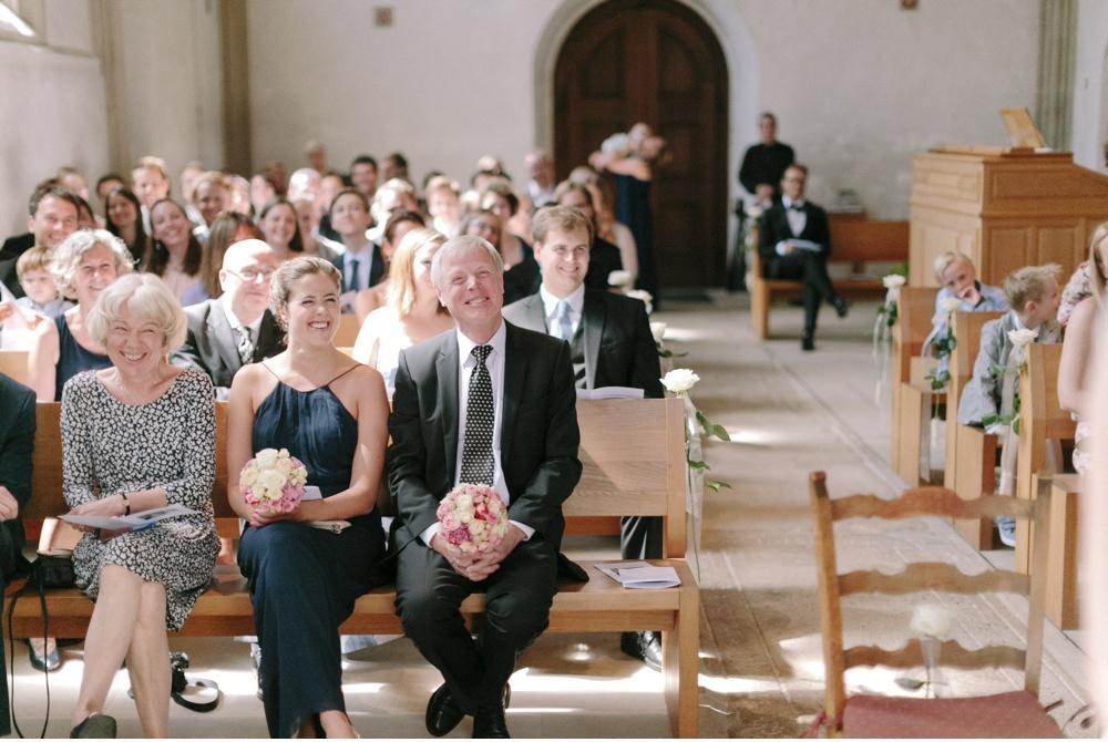 Classy_Norwegian_Wedding_WeddingPhotographer©MadalinaSheldon_0005.jpg