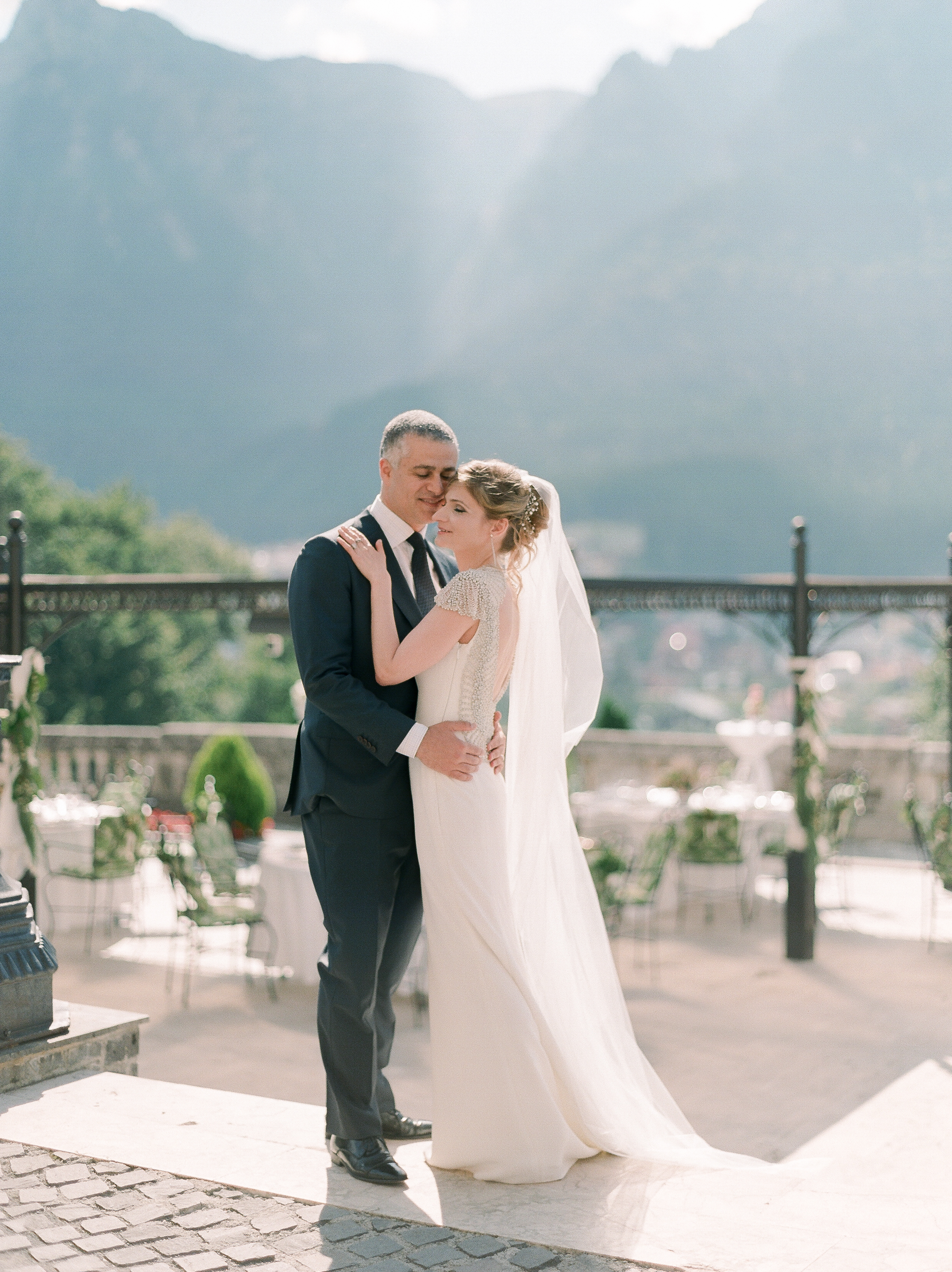 Classy Mountain Wedding in Transylvania -
