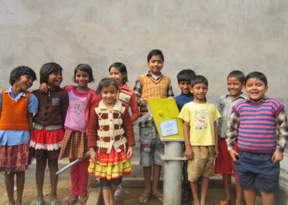Community-photo-at-Tantipara-1-e1450352931890-570x407.jpg