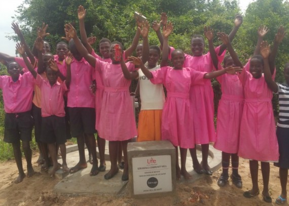Pupils-of-Njeru-primary-School-at-the-new-water-source-e1462371093451.jpg