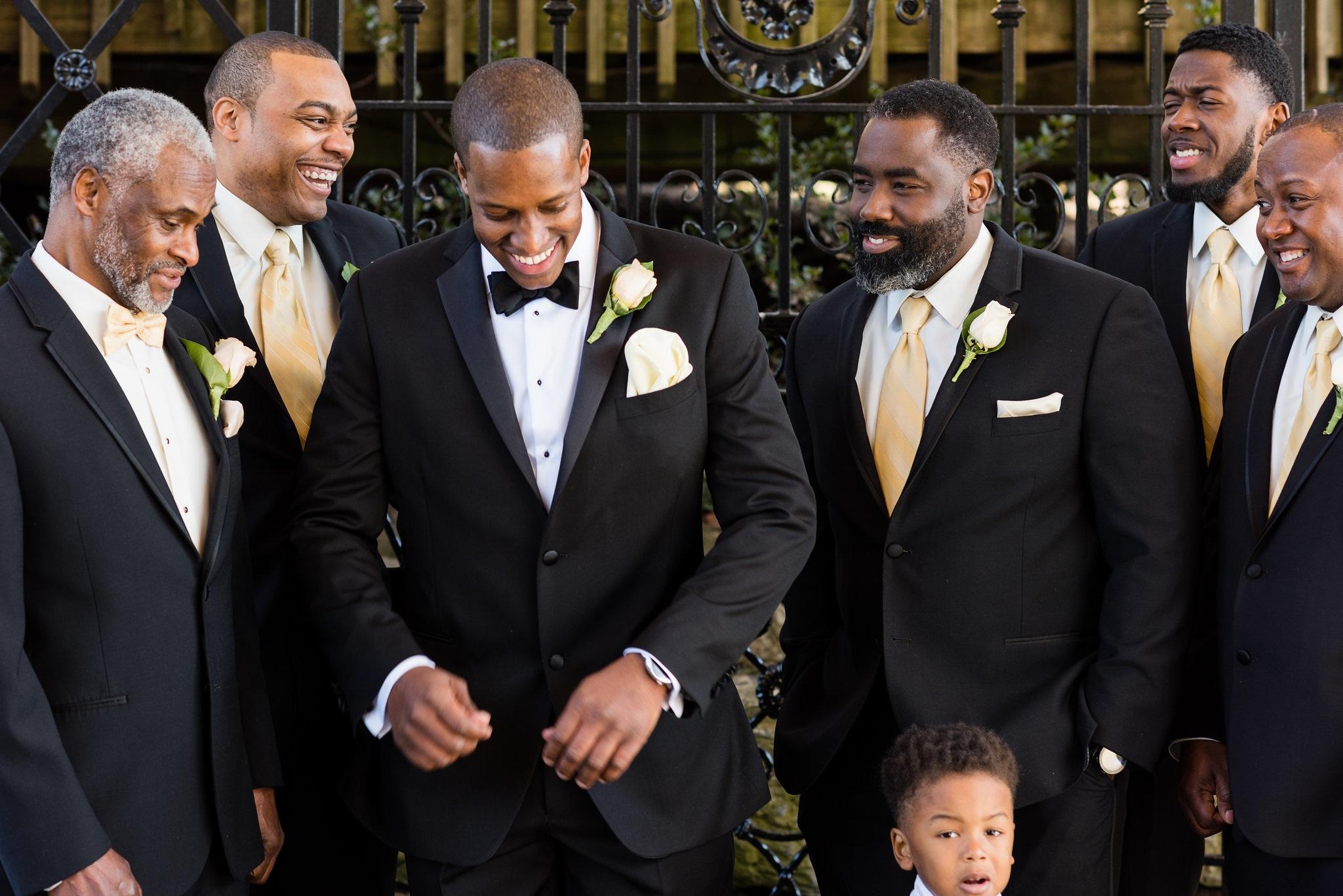 wedding groom and groomsmen.jpg