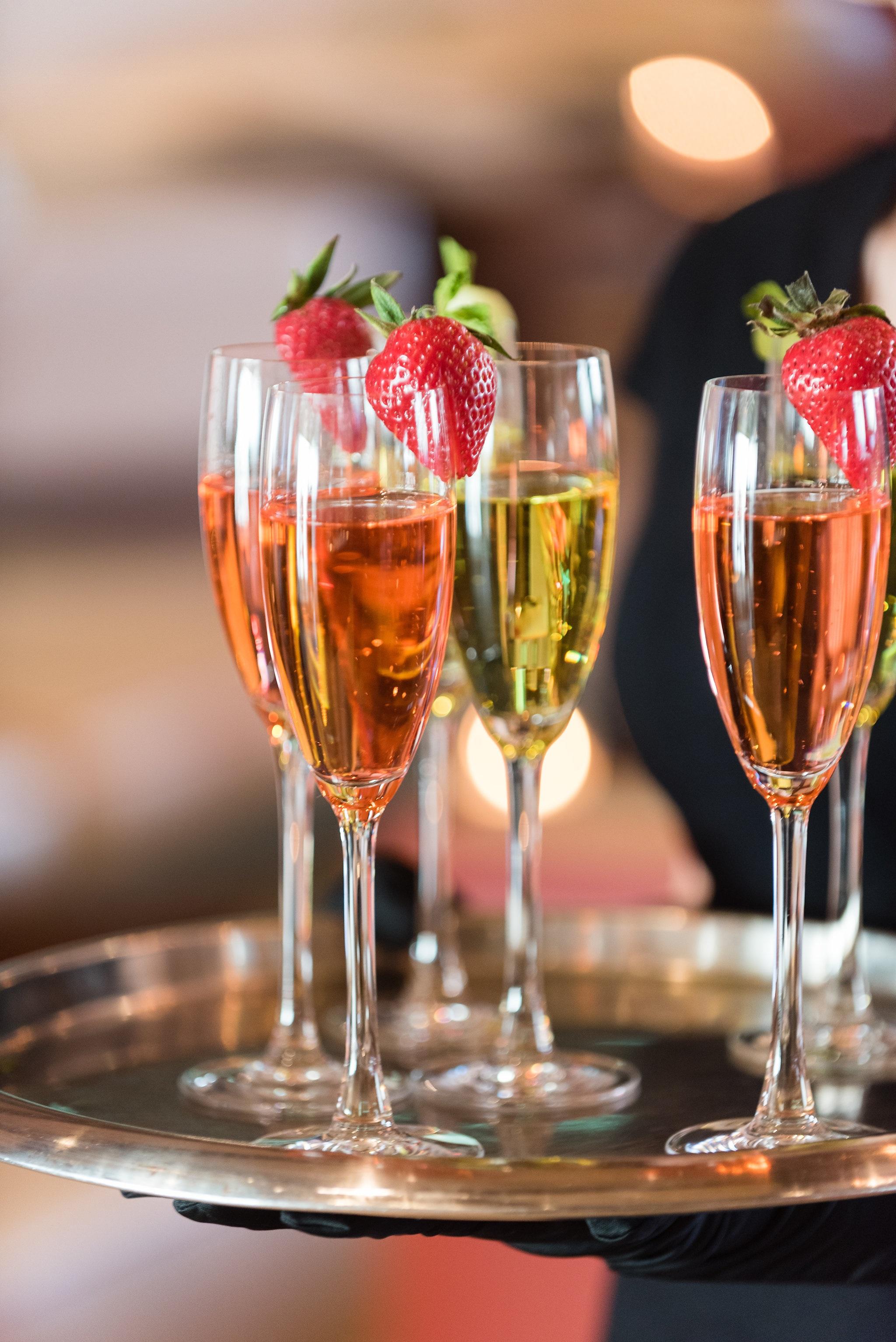 wedding details champagne.jpg