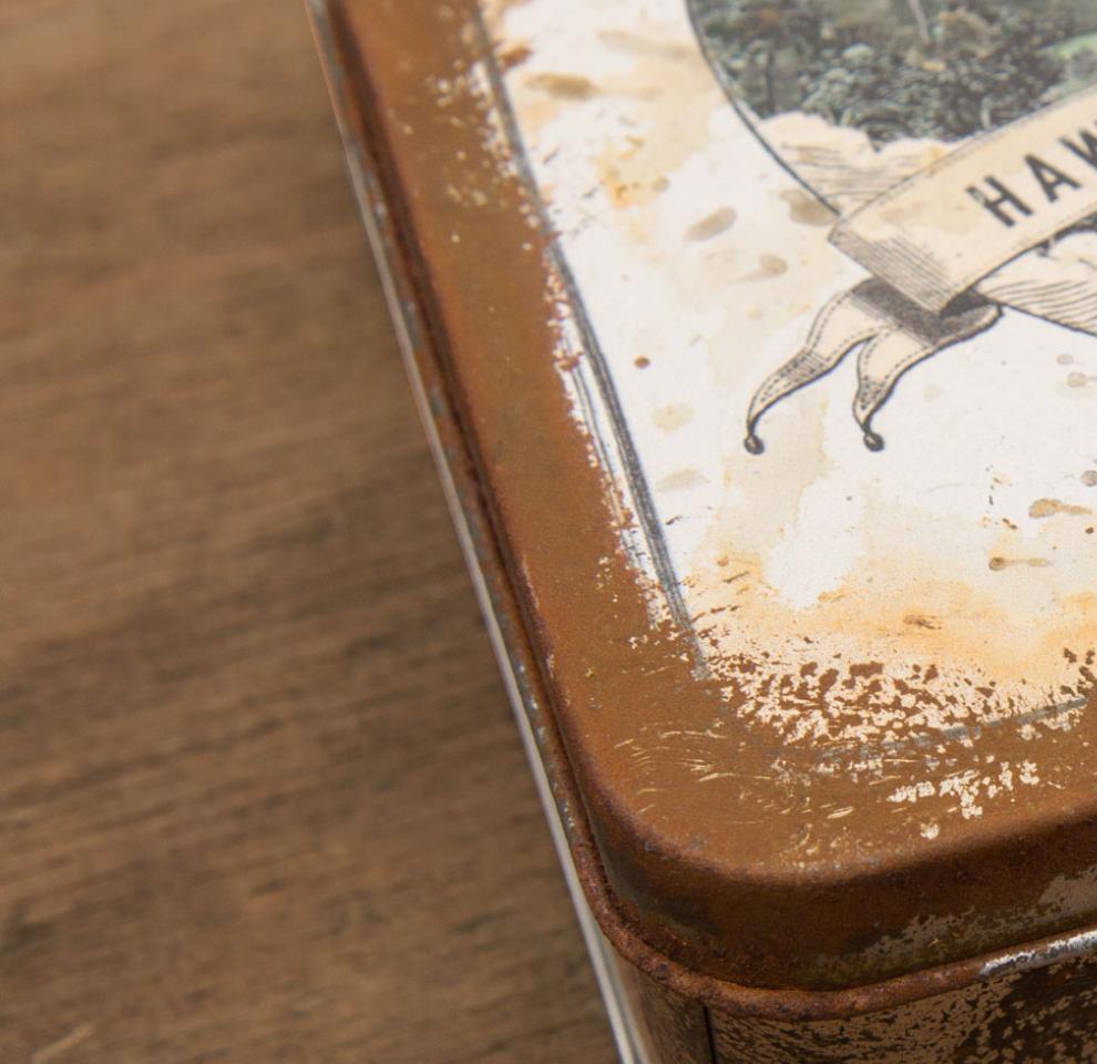 """Verpackung rostige Metallbox für """"Hawaiianischer Schnee"""" von Umse erstellt von den sons of ipanema in Köln."""