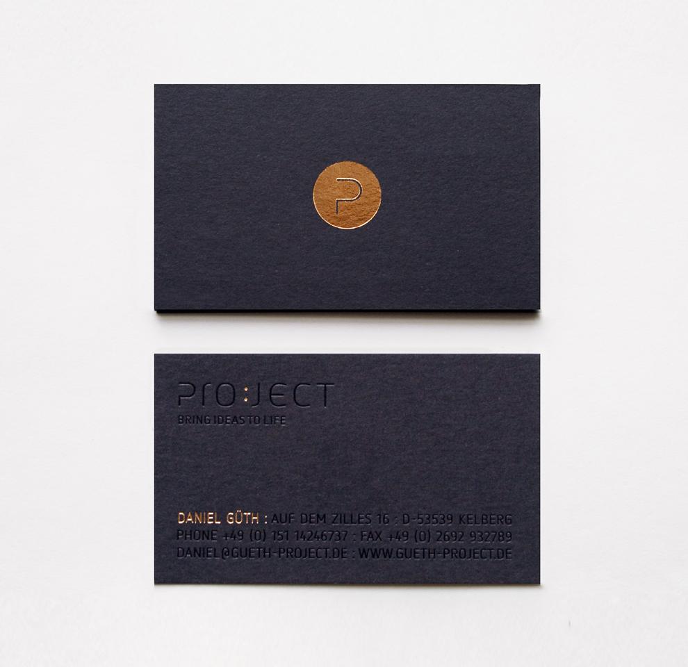 Corporate Design, Visitenkarte für Project, entworfen von den sons of ipanema, einer Grafik Design Agentur aus Köln. Goldveredelung und Blindprägung auf schwarzer Pappe.