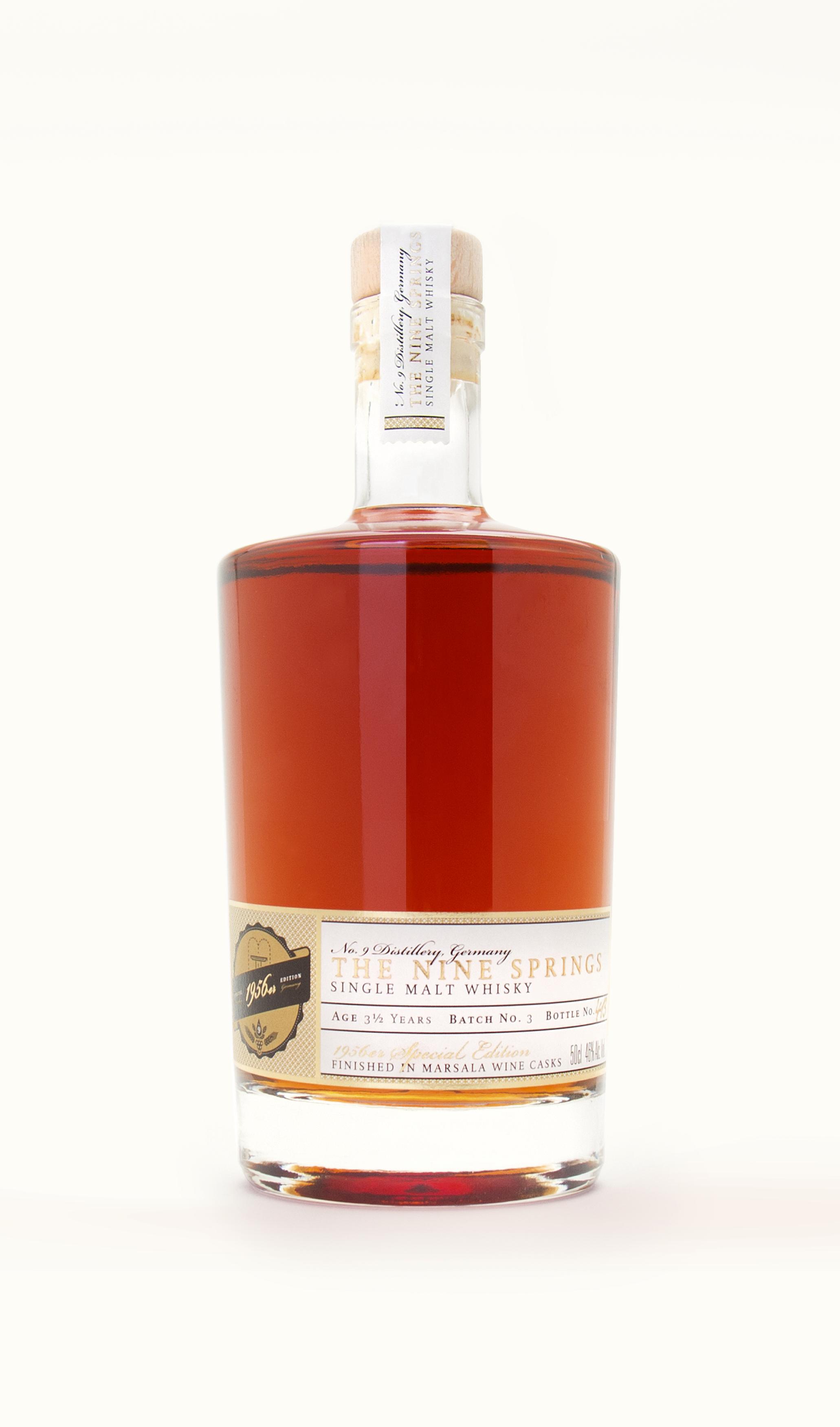 Die sons of ipanema, eine Design Agentur aus Köln, haben ein Verpackungsdesign für einen Special Edition Single Malt Whisky entwickelt (1956er)