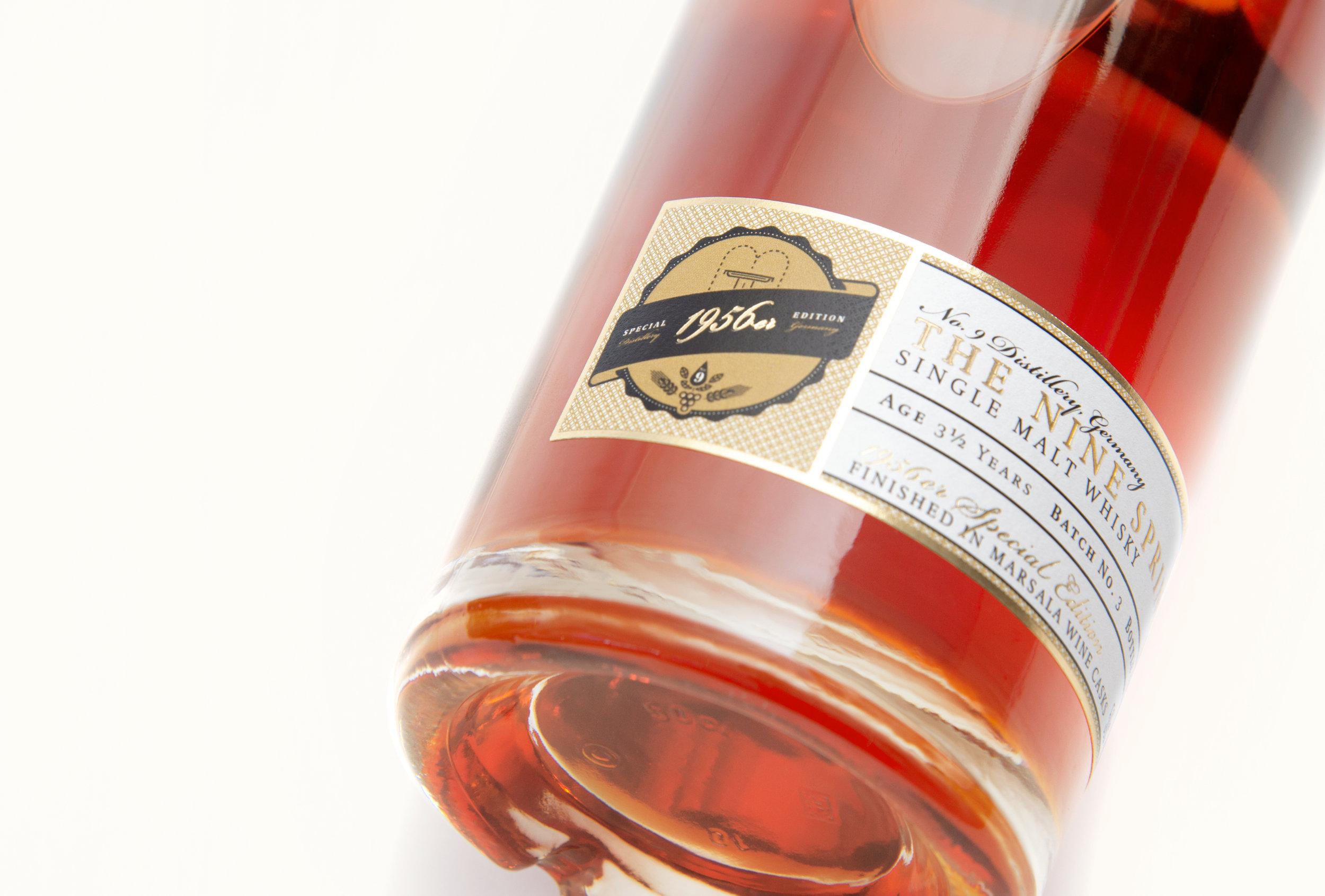 Gestaltung eines Etiketts für einen Single Malt Whisky aus dem Hause No. 9 The Nine Spring aus Leinefelde-Worbis