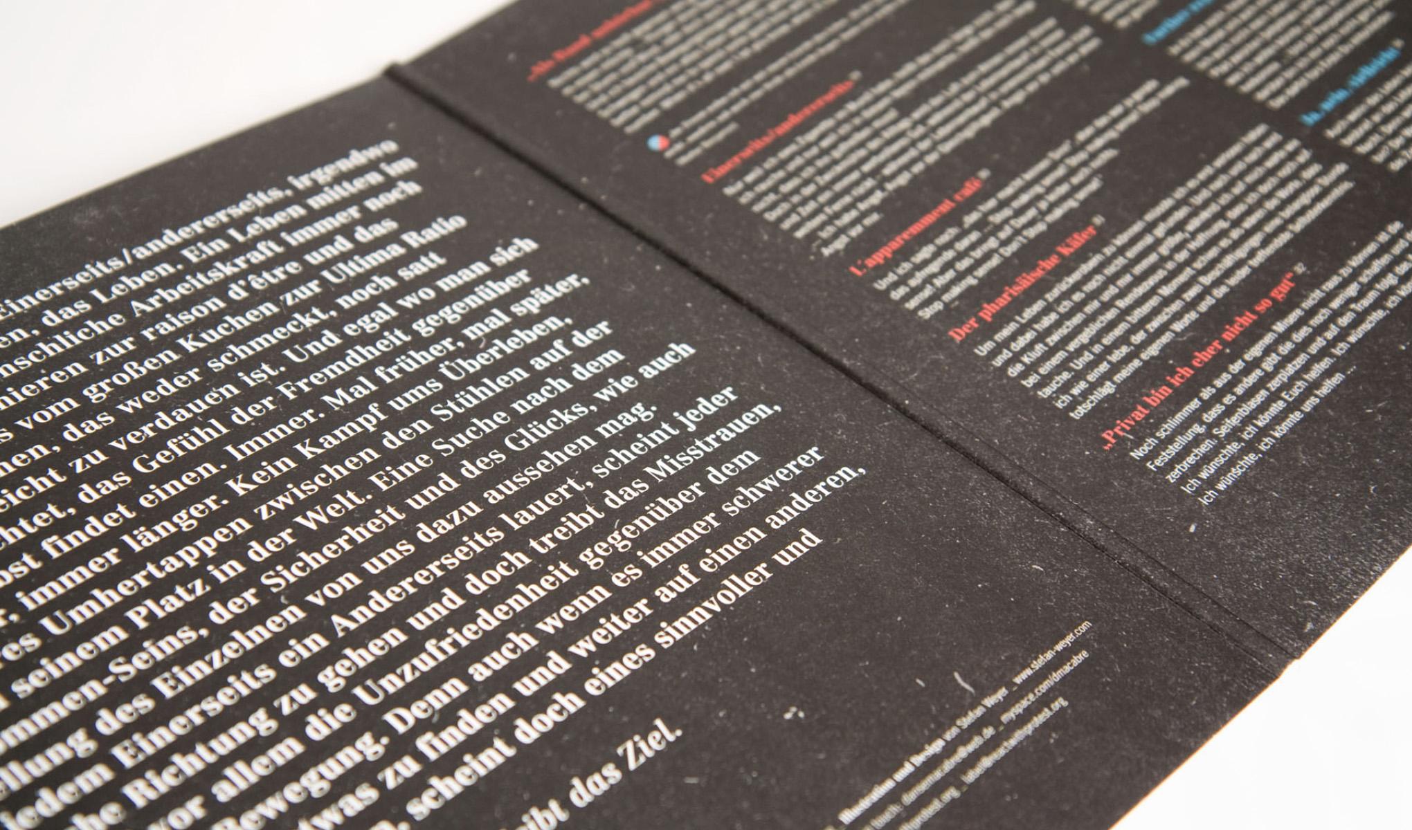Typografie der Innenseite des Gatefold-Covers von Danse Macabre.