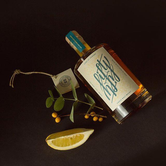 Die ersten 25 Flaschen unseres Fifty Fifty Whisky haben bereits ihre Abnehmer gefunden!  Sichert auch ihr euch noch ein Exemplar für euch oder eure Liebsten – den Erlös spenden wir an sea-watch.org  Bestellen und spenden könnt ihr auf www.sonsofipanema.de/fifty-fifty  #fiftyfifty #sonsofipanema #graphicdesign #charity #productdesign #designagency #illustration #product #refugeeswelcome #koeln #spendenaktion #jedereurozählt #design #designtip #limitededition #designer #designoffice #köln #grafikdesign #merrychristmas #froheweihnachten #weihnachtsgeschenk #packagingdesign #branding #whisky #scotch #whiskey #singlemalt #whiskygram #instawhisky  @thedesigntip @graphicdesigncentral @gfx.mob @graphicdesignblg @pagemag @novummagazine