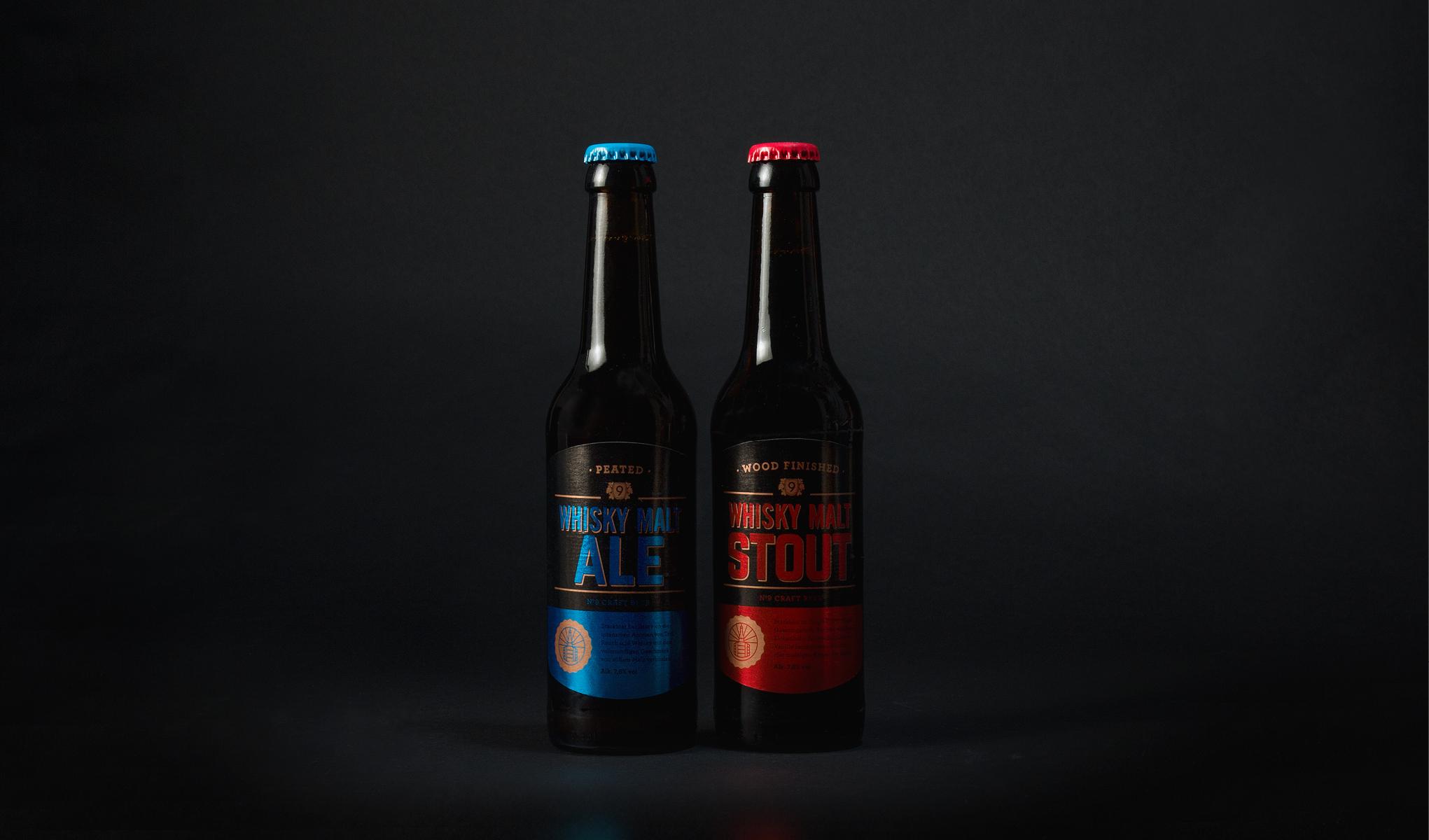 Die zwei neuen Designs des Whiskybiers der Brauerei Neunspringe.